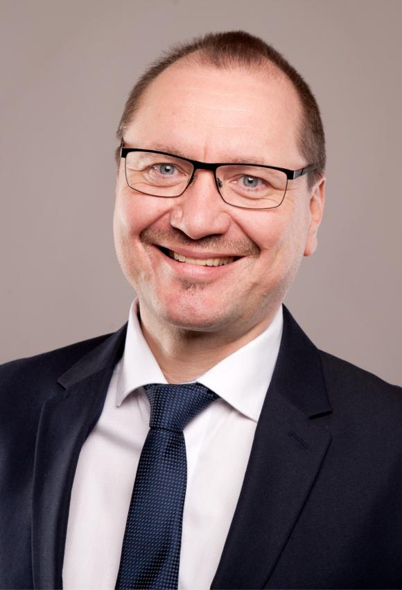 Frank Matzke